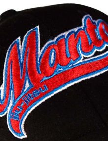 Manto Logo Flexfit Cap - Black